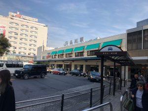 品川駅です。当日の気温は15℃位でしたよ。